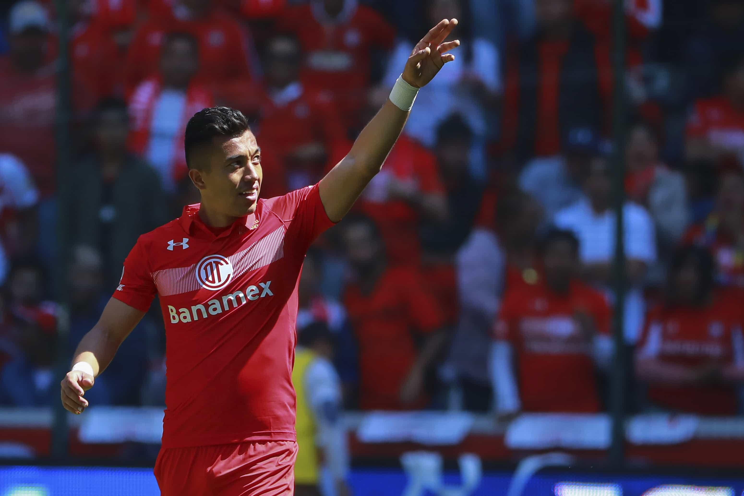 Fernando Uribe marcó el segundo gol de Toluca en su visita al León