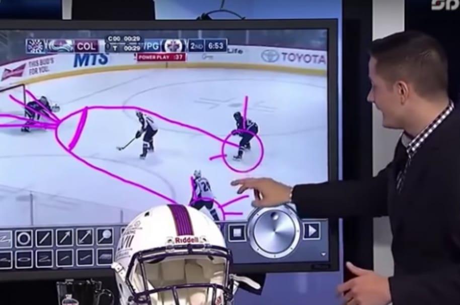 Analista de hockey dibuja pene en pantalla.