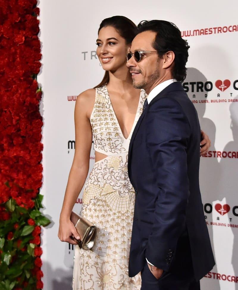 El cantante Marc Anthony y la modelo Mariana Downing.