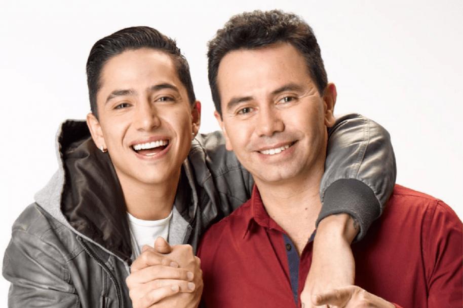 Andy Rivera y su papá Jhonny Rivera, cantantes colombianos.