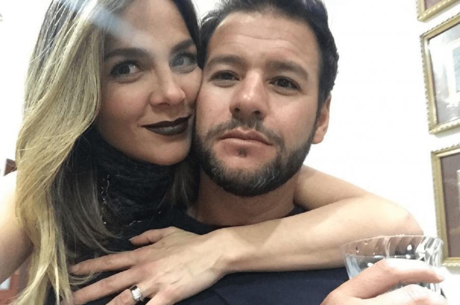 La presentadora Mabel Cartagena junto a su esposo, el extenista argentino Sebastián Decoud.