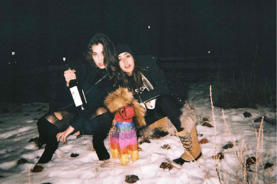 Lauren Jauregui y Lucy Vives.