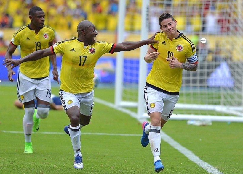 Colombia celebra su gol
