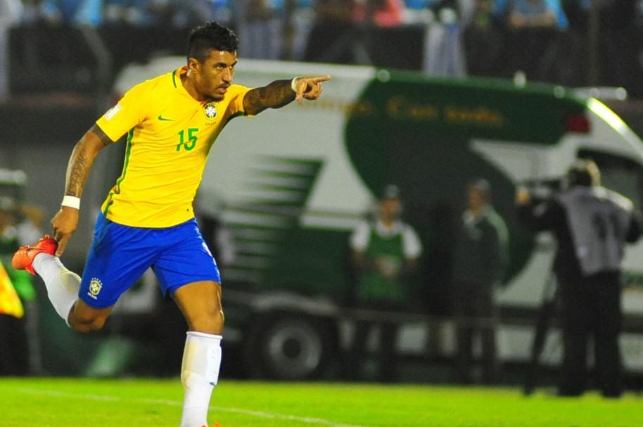 Paulinho marcó triplete para Brasil en el Centenario de Montevideo