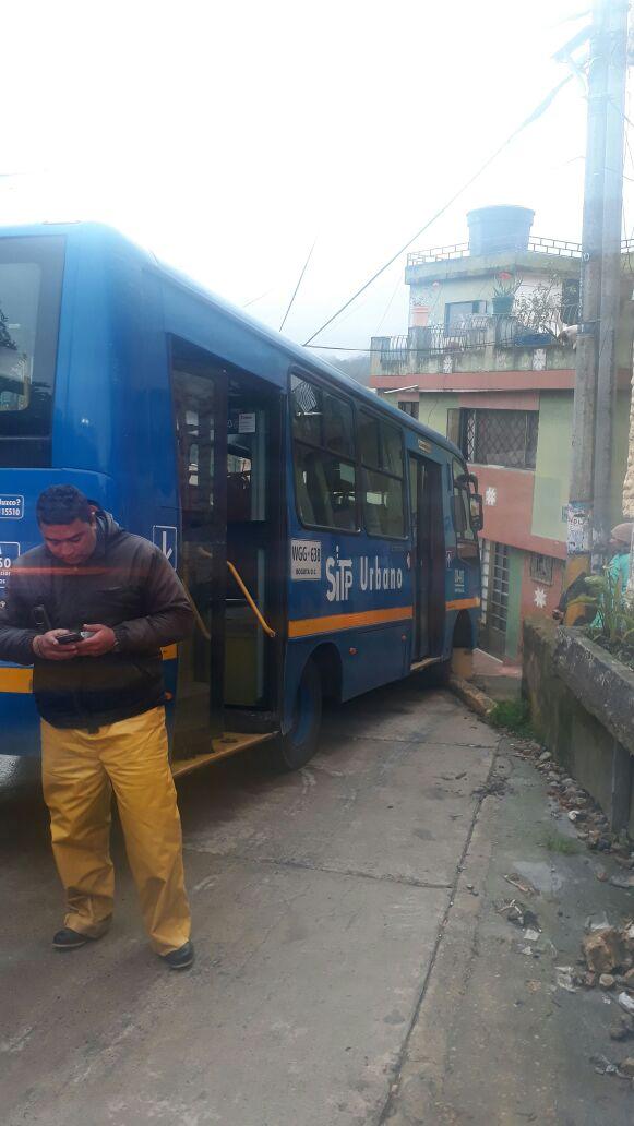 Choque de bus del SITP, vía La Calera