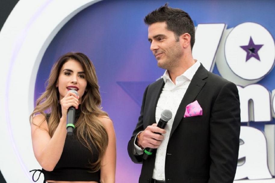 Jessica Cediel y Ernesto Calzadilla, presentadores de 'Yo me llamo'