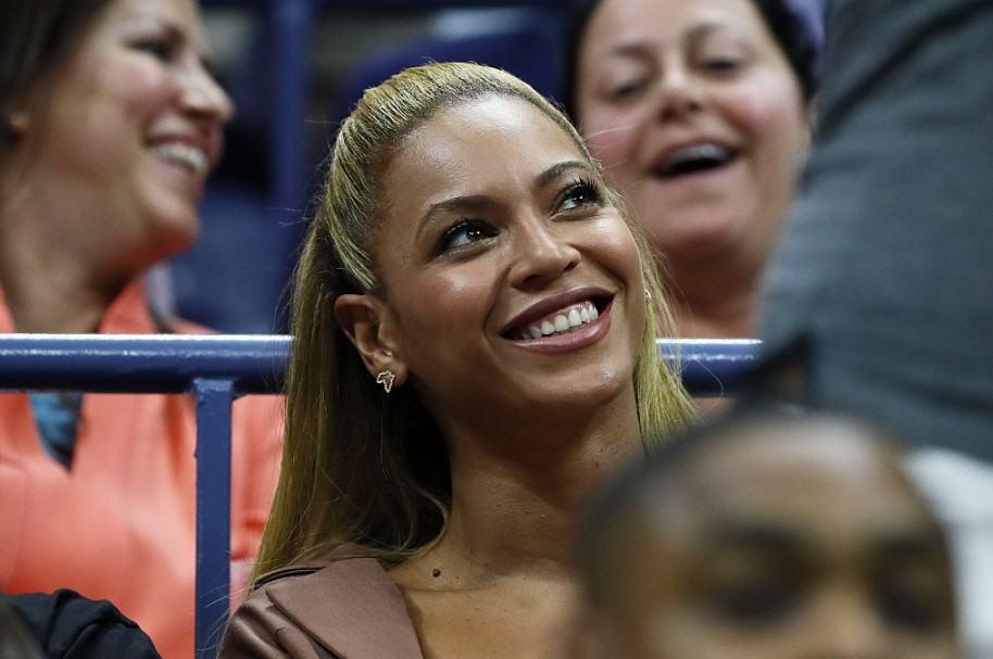 Beyoncé en el partido de tenis del Abierto de Estados Unidos disputado por Serena Williams y Vania King, en septiembre del año pasado.