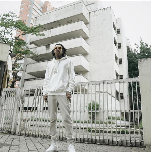 Wiz Khalifa frente al edificio Mónaco, en Medellín