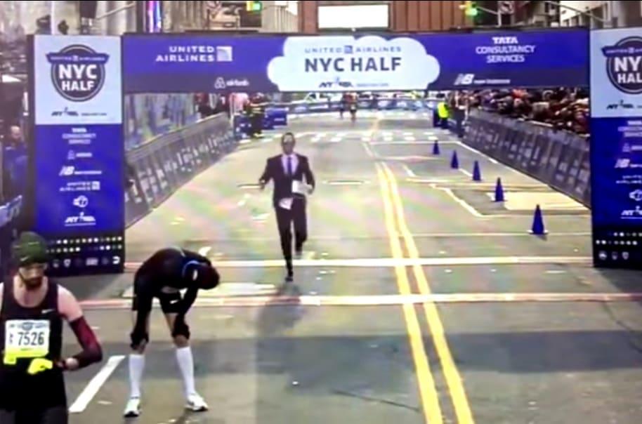 Hombre en vestido maratón