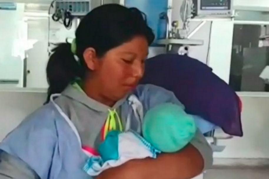 Nelly Muñoz, madre de Yuliana Samboní, con su nuevo hijo.