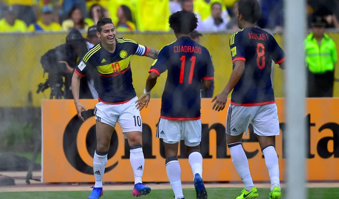 Gol de Colombia a Ecuador