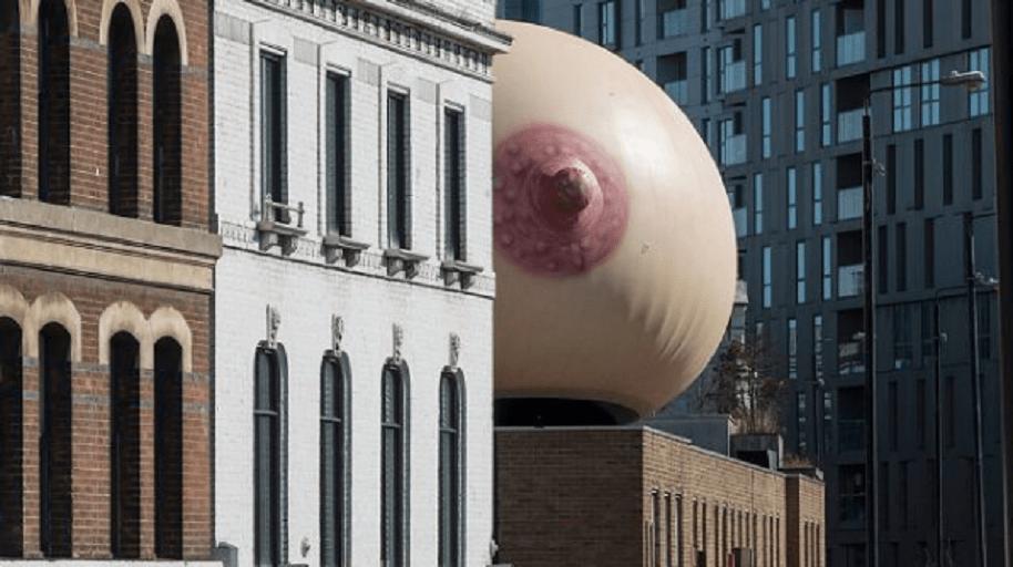 Apareció seno gigante Londres