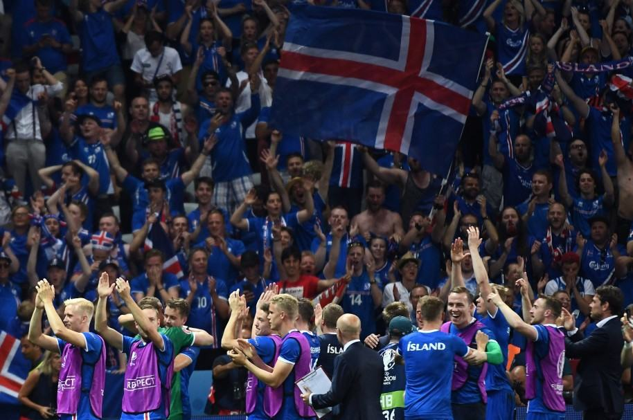 Islandia, en la Eurocopa, después de vencer a Inglaterra.jpg