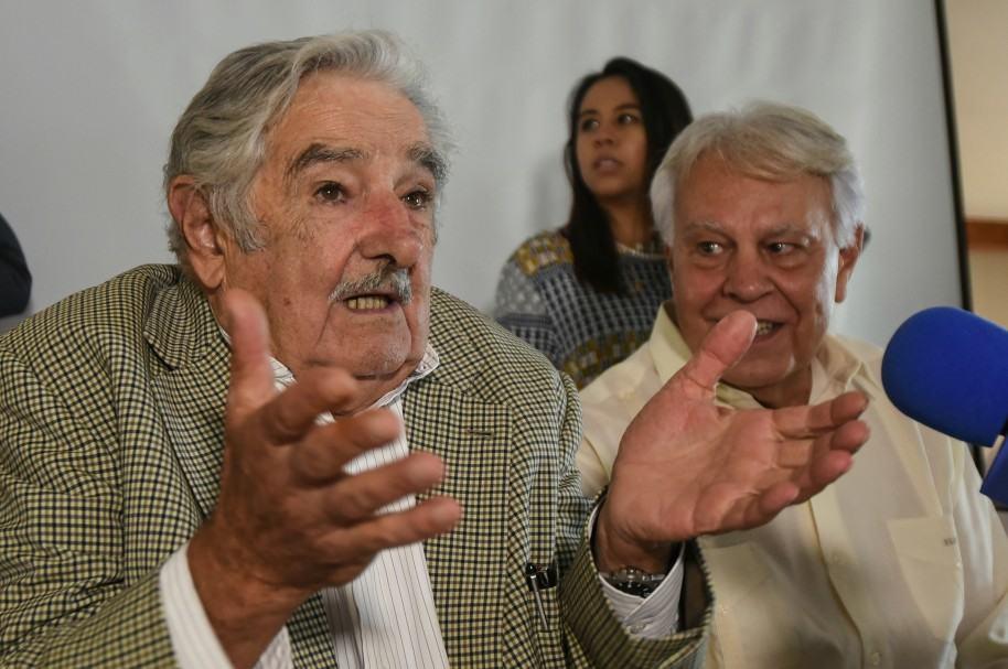 Mujica y González