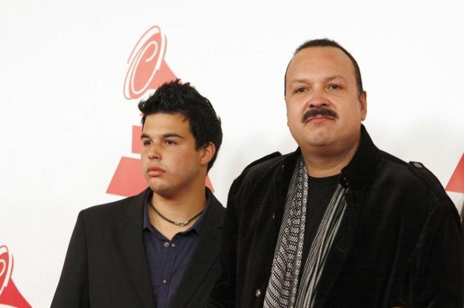 Pepe Aguilar e hijo