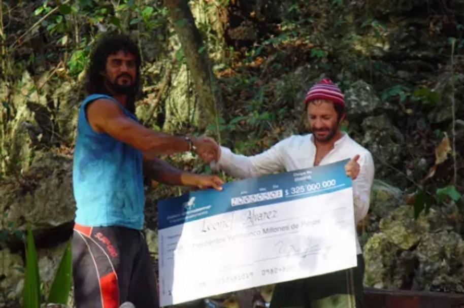 Leonel Álvarez y Pirry, ganador y presentador de 'La isla de los famosos'.