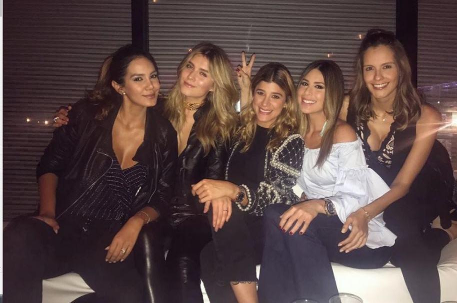 Catalina Robayo, Laura Tobón, Andrea Jaramillo, Carolina Soto y Laura Acuña, presentadoras.