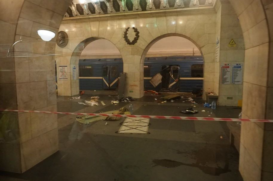 Metro de San Petersburgo luego de la explosión