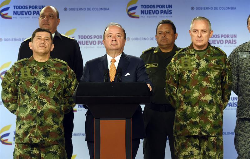 Ministro de Defensa y cúpula militar