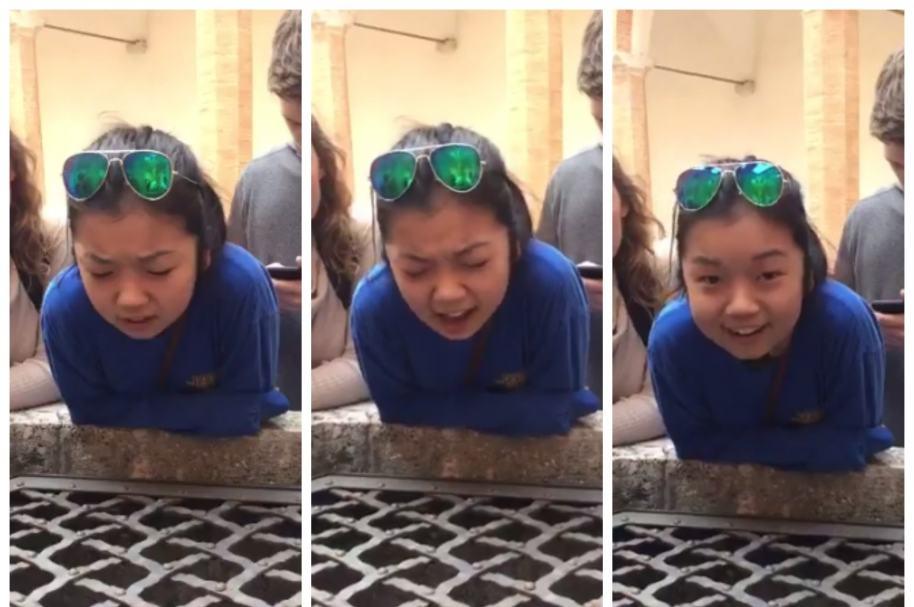 Tiffany Day cantando 'Hallelujah' en un pozo. Pulzo.com