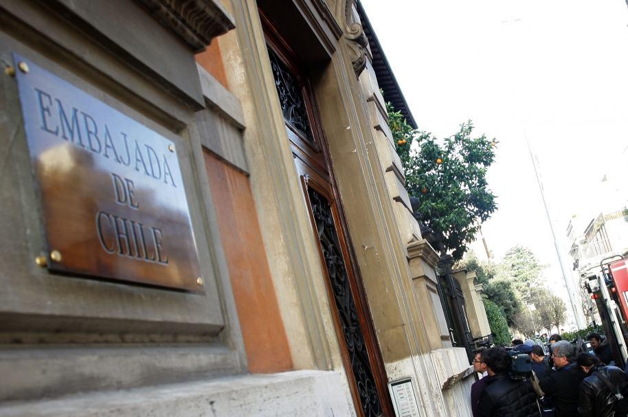 Opositor ingresa en residencia de embajador chileno en Venezuela