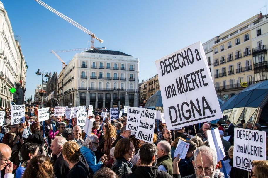 Manifestación a favor de la eutanasia, en Madrid