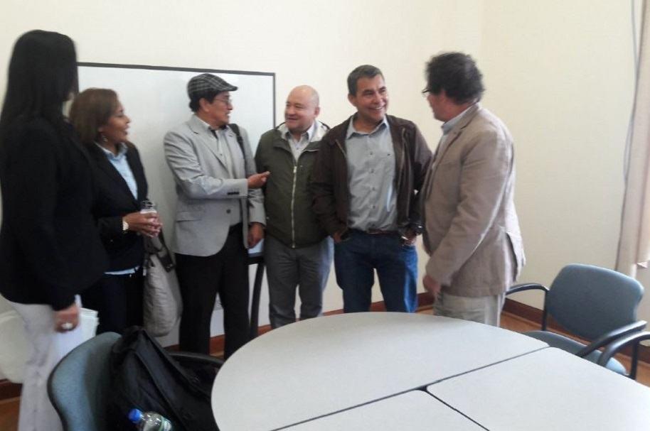 Diálogos de paz Gobierno-Eln