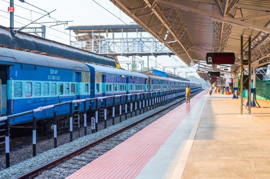 Estación de tren en Alleppey, India.