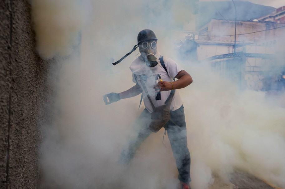 POLICÍA IMPIDE DE NUEVO EL PASO DE LA MARCHA OPOSITORA AL CENTRO DE CARACAS