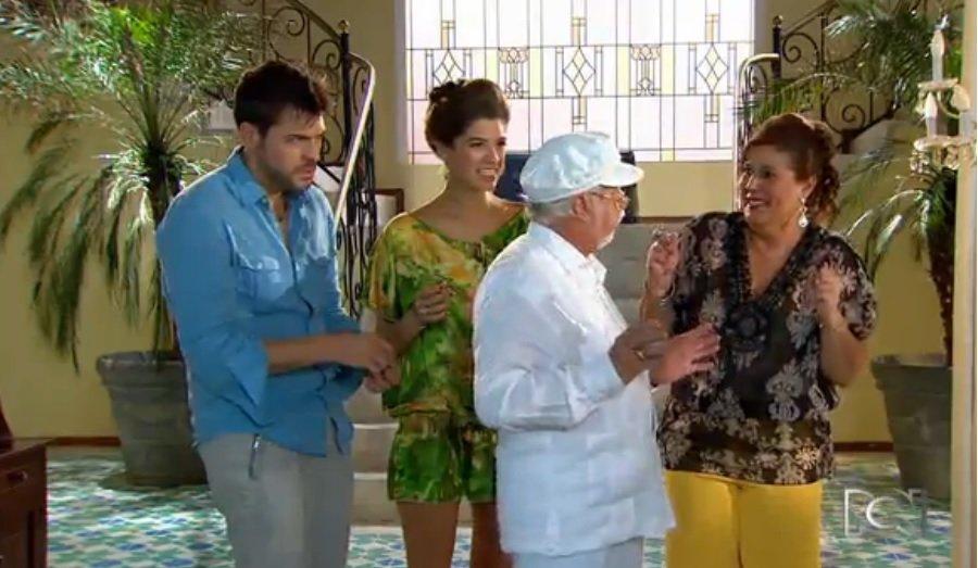 Rodrigo Candamil, Catalina Londoño, Carlos Muñoz y 'Mile' Vergara, actores de 'Chepe Fortuna'.