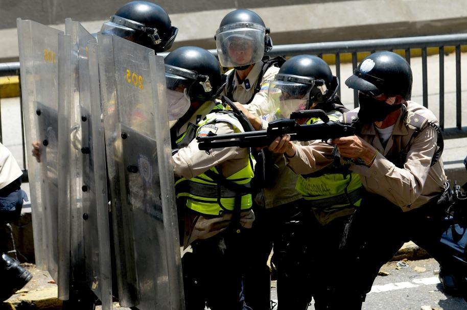 Piquete de policías venezolanos