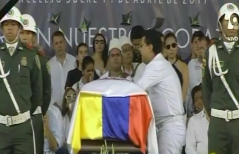 Rafael Santos le canta a Martín Elías