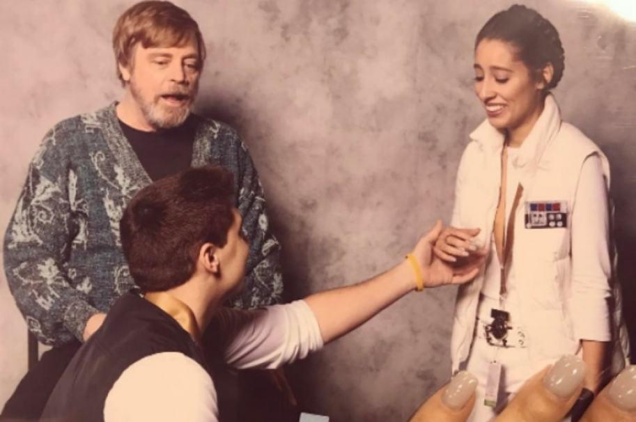 Propuesta de matrimonio al estilo 'Star Wars'. Pulzo.com