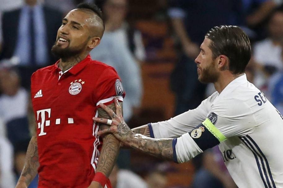 Expulsión de Vidal en Madrid-Bayern