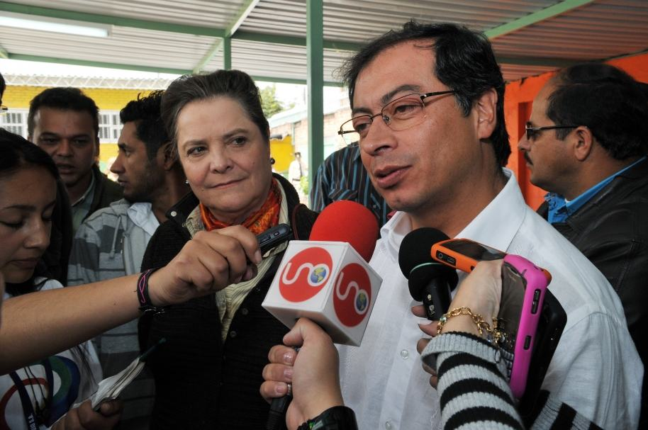 Clara López y Gustavo Petro