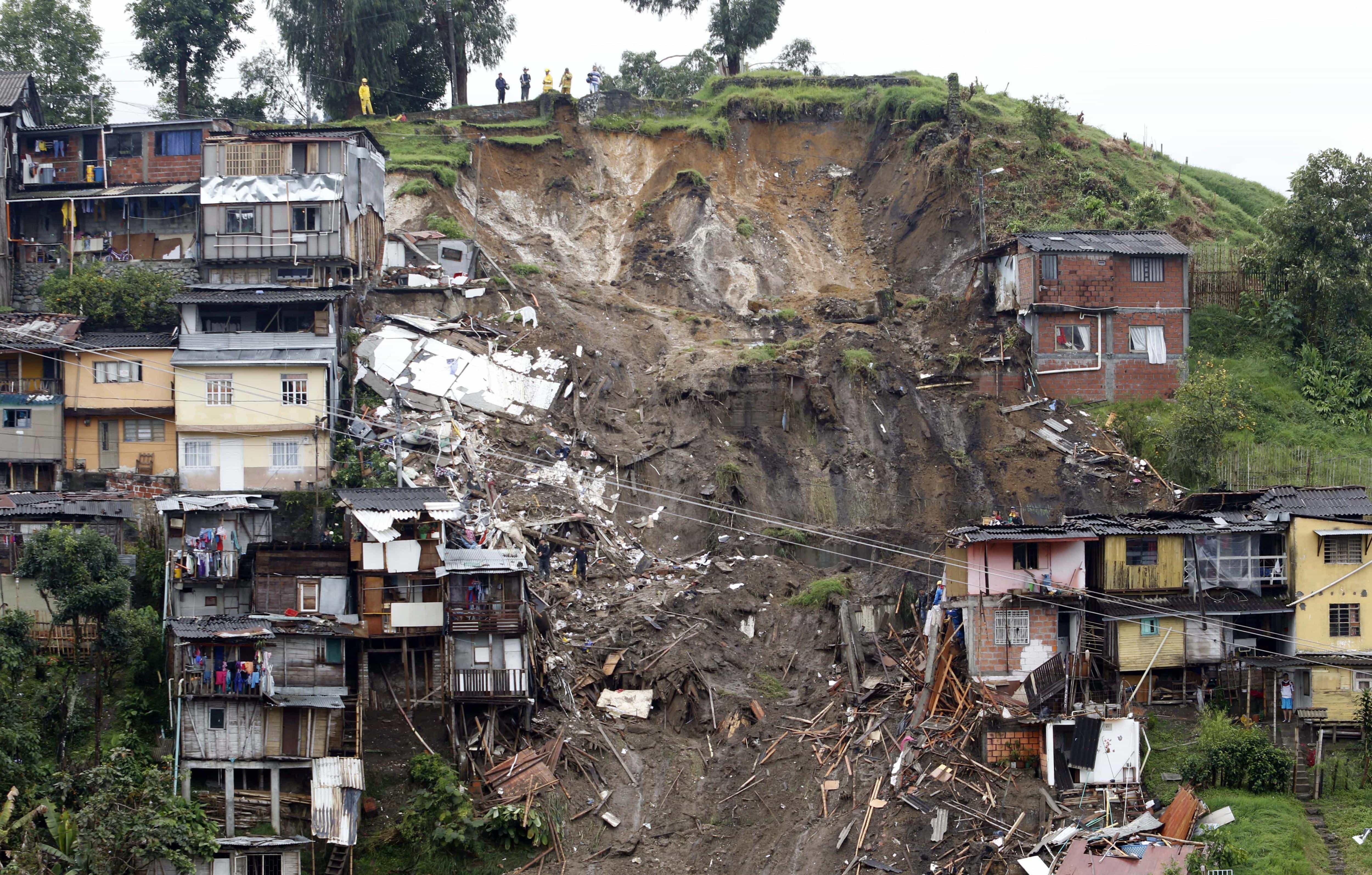 AL MENOS 11 MUERTOS POR LLUVIAS EN CIUDAD COLOMBIANA DE MANIZALES