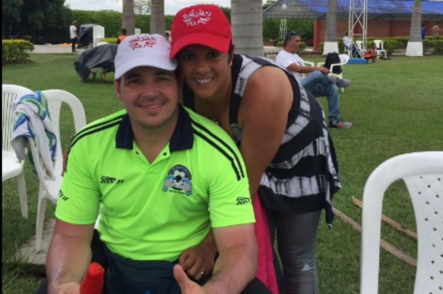 Alexis Viera y su esposa, Andrea Espel.
