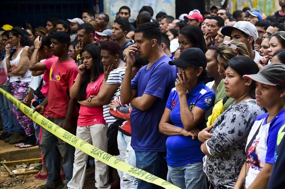 Noche de saqueos en Venezuela