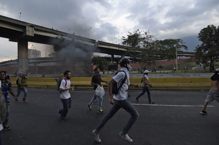 Protestas, 24 de abril