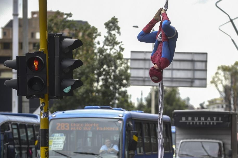 Spider-Man que se trepa en Bogotá
