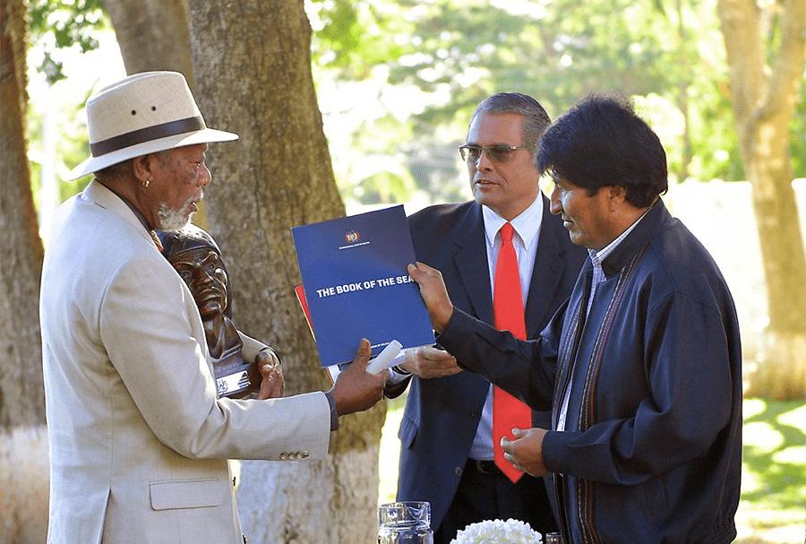 Morgan Freeman y Evo Morales