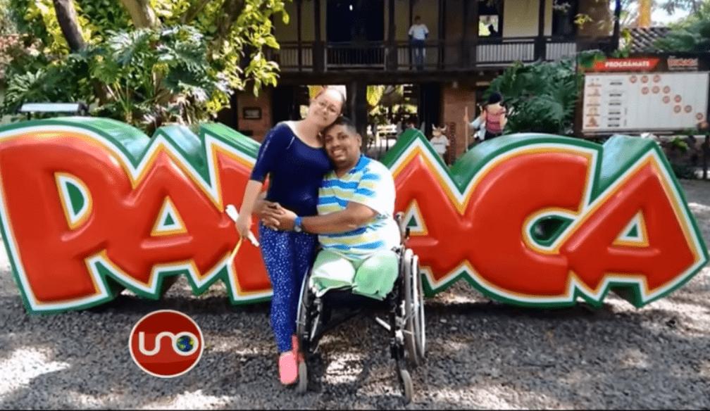 Laureano Ospino Royero y su esposa en otro parque de diversiones