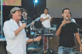 Carlos Vives y Martín Elías, cantantes.