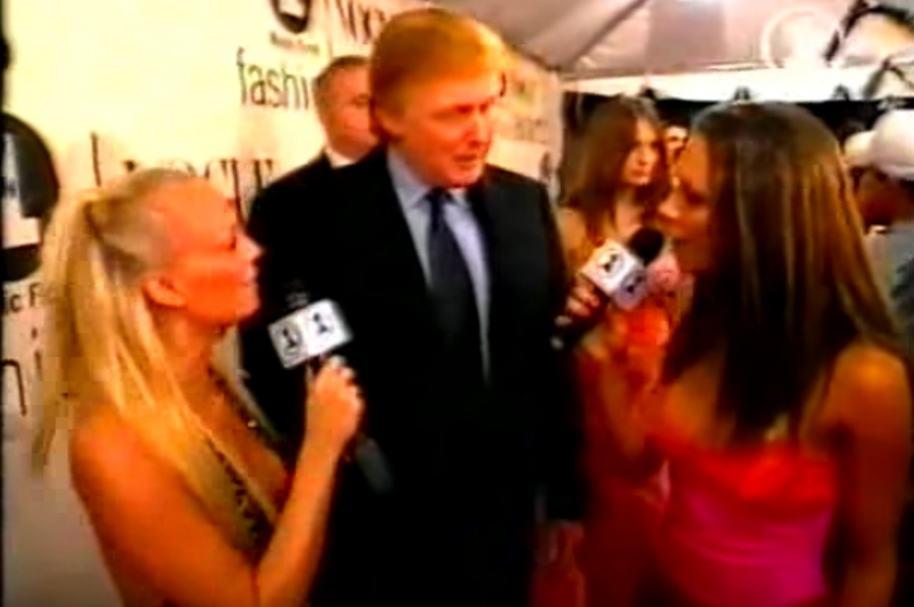 Trump con 2 'Spice Girls'.