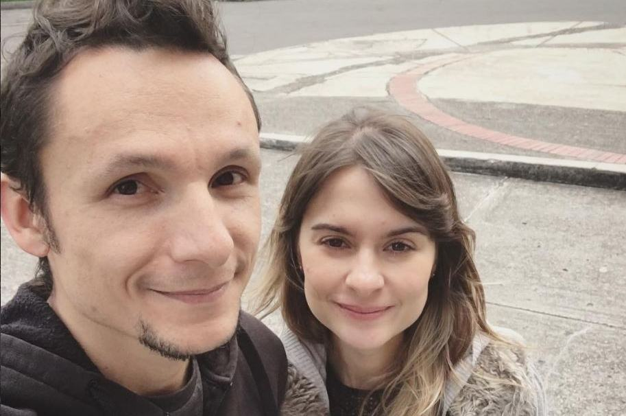 Mario Muñoz, vocalista de Doctor Krápula, y su esposa Catalina Zuluaga.