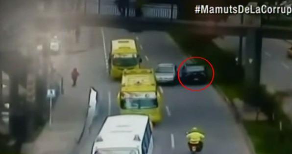 Carro en contravía en Tunja. Pulzo.com