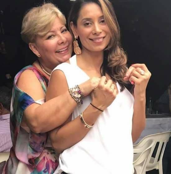 Ana Delia vergara mamá de Lina Bolaños, médica asesinada