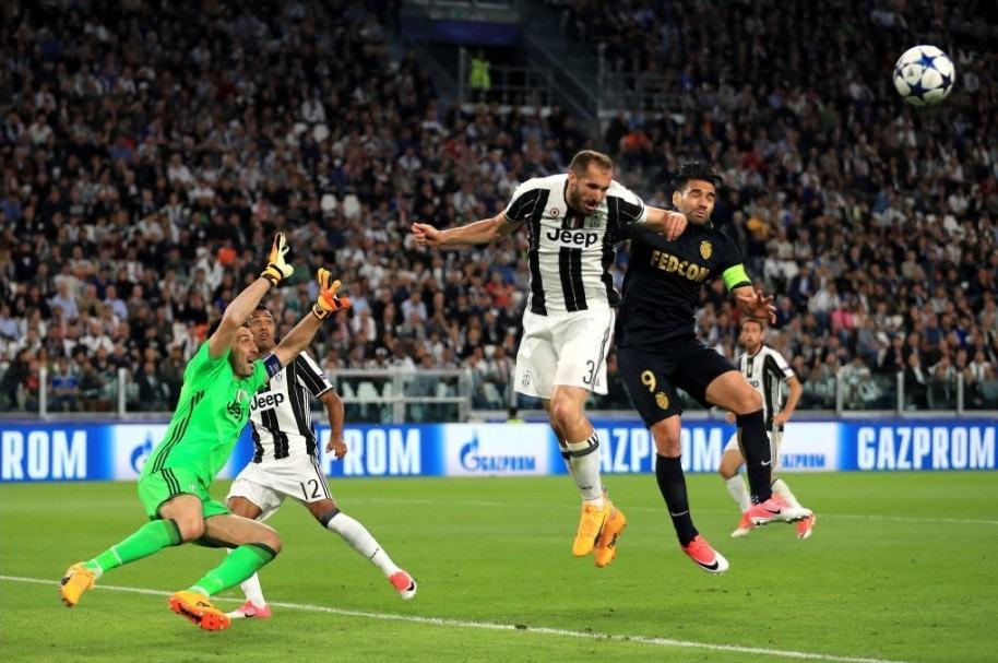 Opción de Falcao contra Juventus