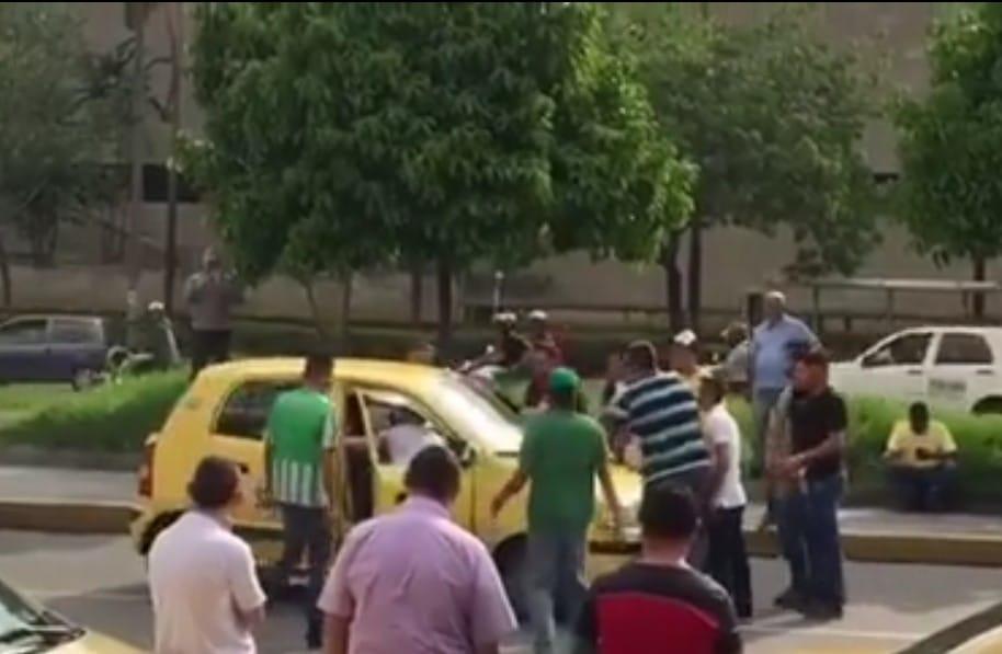 Taxistas en Medellín