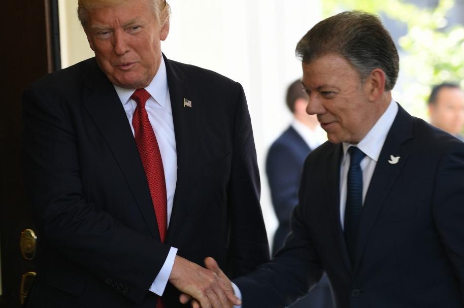 Trump recibe a Santos en la Casa Blanca